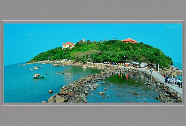 2013/June/hohoanggiang-vieng-den-tho-bac-ho-khu-di-tich-lich-su-hon-da-bac-thumb1-5422-C_l.jpg